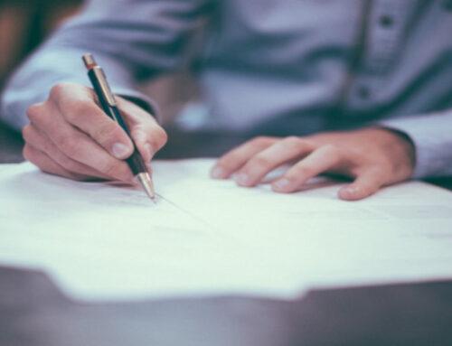 Arbeitszeugnis schreiben: Was als Arbeitgeber erlaubt ist und was nicht